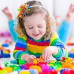 Educația copiilor se face prin jucării