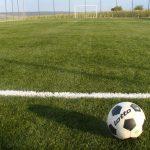 Hattrick Sport amenajează terenul sportiv dorit cu gazon artificial