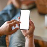 Cum ai grija de noul telefon Apple cu folia pentru iPhone 11