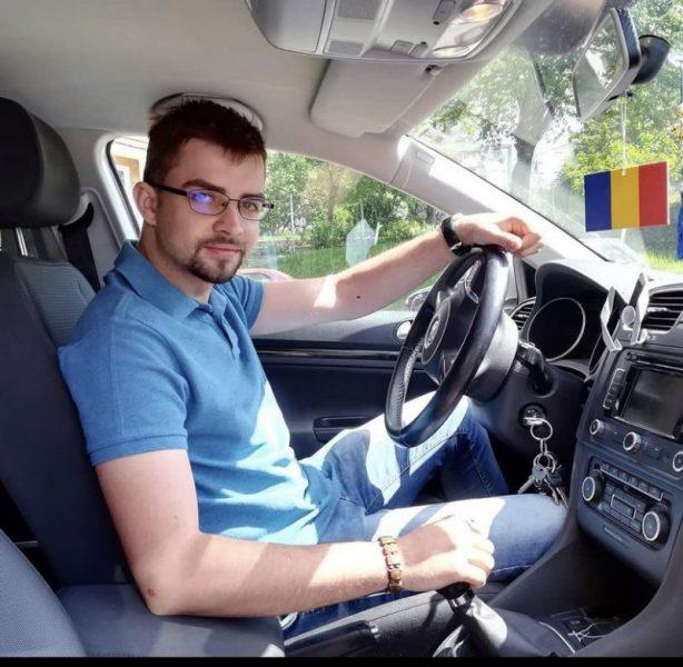 Andrei Cenusa la volan
